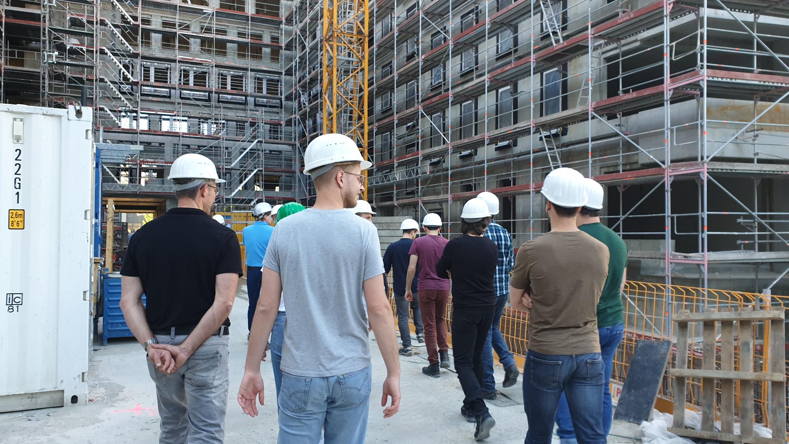 HBI on Tour: Besichtigung des Rohbaus durch die Projektbeteiligten. Foto: HBI
