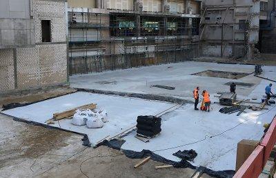 Es kann los gehen! Die Baugrube ist bereits fertig. Foto: HBI